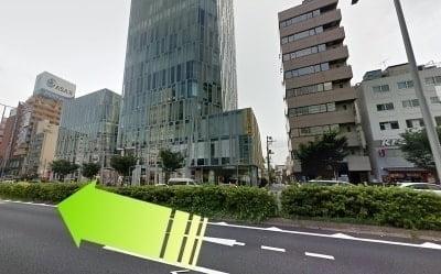 表参道駅前の様子